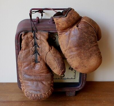 Vintage Leather Geo Reach Boxing Gloves. Old Boxing Memorabilia, Man Cave. c1920