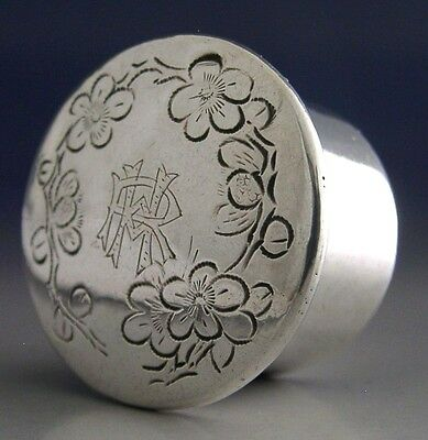 PRETTY CHINESE EXPORT SILVER BLOSSOM PILL BOX c1920's ANTIQUE