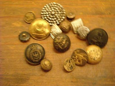 16 Vintage Collectable Buttons