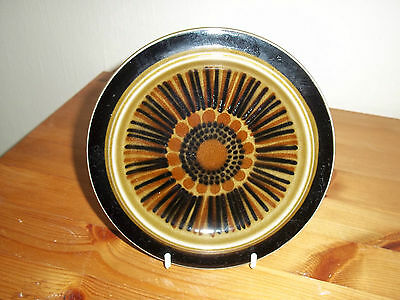 """Retro Finish made 160mm pottery plate by KOSMOS, """"Arabia"""" good used condition."""