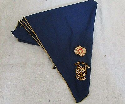 Vintage Embroidered Cub Scout Leader Neckerchief Scarf w/ WOLF Slide EUC