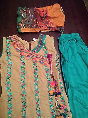 Bn Girls Asian Three Peice Outfit Size 22