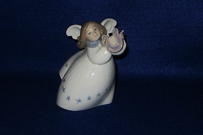 """Lladro """"little Angel With Lyre"""" Porcelain Figurine - 7Th Mark - #6528 - Mint"""