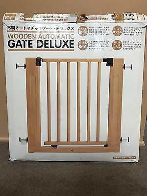 Wooden Deluxe Gate with optional extensions
