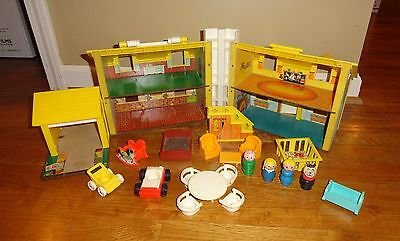 Vintage 1969 Fisher Price Little People Play Family House 952 + Nursery pieces