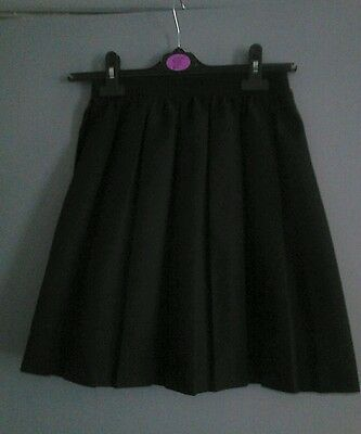 Girls Elasticated Black Skirt with pleats all around size 11-12yrs