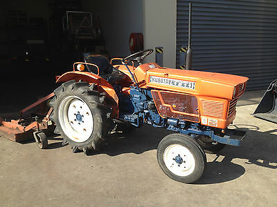 Used Kubota tractor L1511, 16.5hp 2wd diesel HST transmission , with 4ft mower