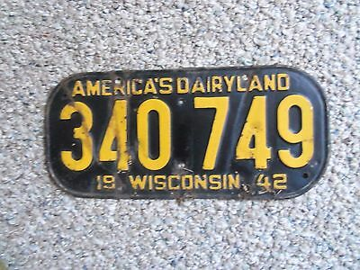 1942 43 44 45   Wisconsin  License Plate ORIGINAL PAINT  world war two WW2
