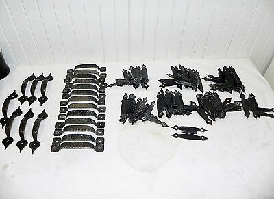 Vintage Black Hammered Metal Cabinet Door Hinges Pulls Knobs Arrow 61 Pieces Lot