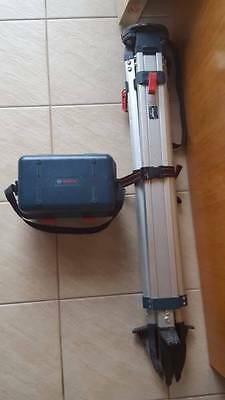 Bosch GOL26 26X Automatic Optical Level with tripod.