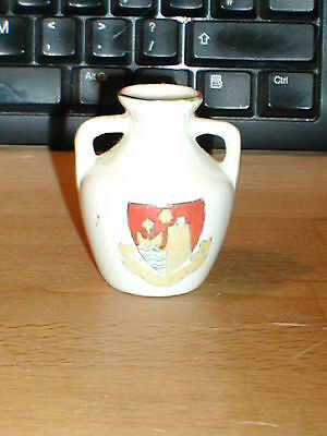 Willow china vase with Scarborough crest