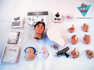"""20th CENTURY BOYS """"FRIEND"""" 1/6 12"""" HOT TOYS Pack"""