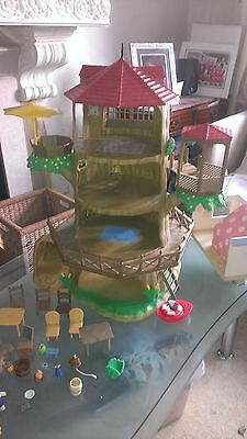 Sylvanian families treehouse, characters and hospital bundle