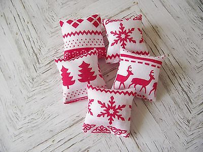 Dolls House Miniature 1:12 Scale sofa scatter cushions set of 5 Christmas design