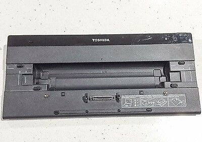 Toshiba Laptop Docking Station PA3916A-1PRP Hi-Speed Port Replicator II