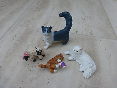 Schleich plastic  toy model Persian  cats