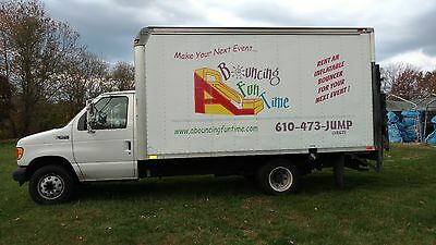 2003 Ford E350 14 ft box truck with lift gate