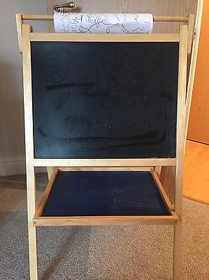 Childs Easel With Magnetic Letters And Numbers
