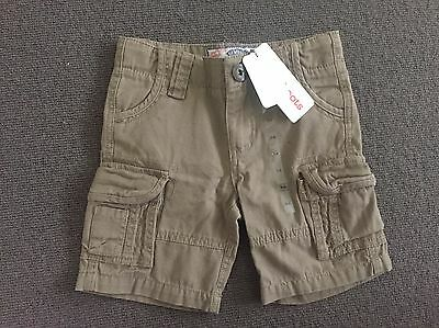Gumboots boys shorts size 3-4 - brand new with tags