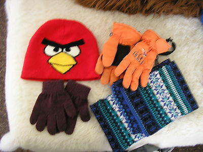 Gloves, Hats, Scarf Childs. Childs   (E2)