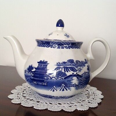Ringtons/maling Repro Blue And White Willow Pattern Teapot