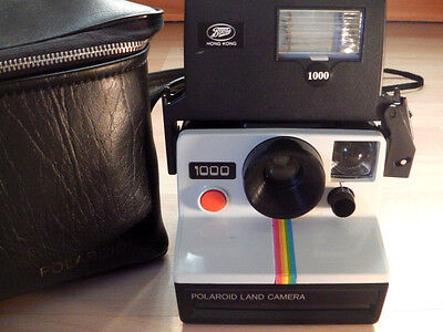 VINTAGE POLAROID 1000 INSTANT LAND CAMERA (RED BUTTON) Flash & Bag