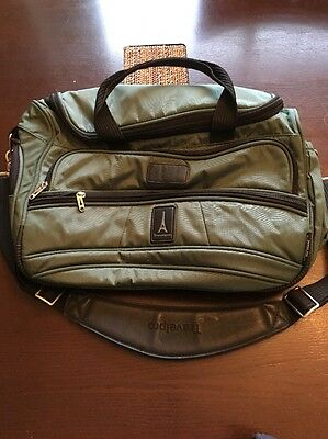 Travelpro Flight Crew5 Green Carry On Tote/Duffel Overnight Bag