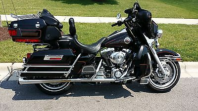 2001 Harley-Davidson Touring  2001 Harley-Davidson Ultra Classic Electra Glide (FLHTCUI) LOW MILES and CLEAN