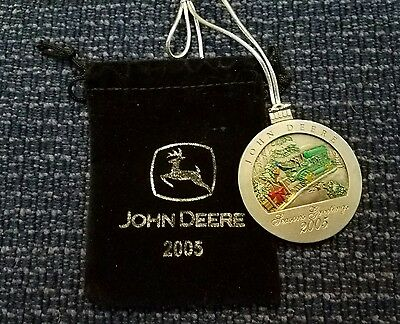 2005 John Deere Tractor Collectable Christmas Ornament