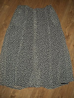 Gorray - Long Skirt - Vintage - Size 16 - Black / White - Chiffon With Lining