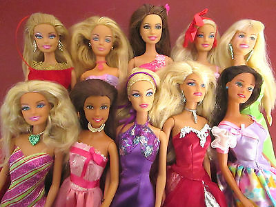 10 Barbie Dolls in Formal Prom Dresses with Shoes and Jewelry