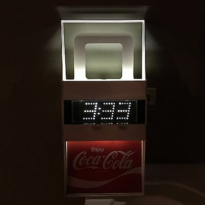 NEW 1977 Vintage Coca Cola Coke Light Up Clock by Everbrite Model G019 DEAD MINT