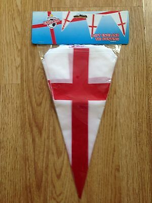 New Pack 15ft England Tri Bunting.
