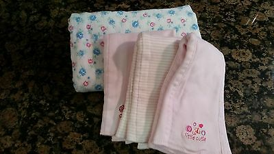 Pre-Owned Baby Girl Lot of 3 Burp Cloths & 1 Blanket Free Shipping