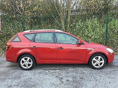 Kia Ceed Estate 1.6 GS Petrol 2008 in Red Excellent Value