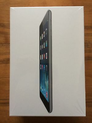 Verpackung eines Apple iPad mini 2 Wi-Fi 128GB Space Gray ME856FD/A