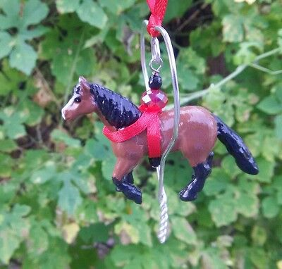 CM Dark Bay Draft Horse Heart Holiday Christmas Ornament Small Plastic Wire