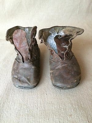 Vintage Small Children Lace up BOOTS in Leather -  Shabby Chic 14 cm long