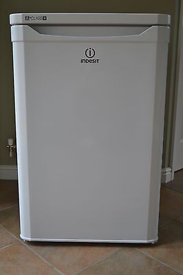 Indesit TFAA10 Freestanding Under Counter Fridge with Icebox White exc cond