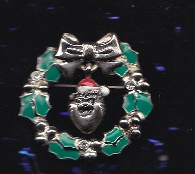 Warner Brothers Large Taz In Christmas Wreath Pin Badge