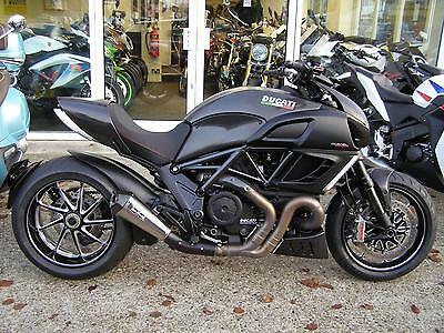 """2011 Ducati Diavel Carbon Abs 1200 """"now Reduced To £10,995"""""""