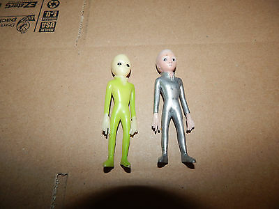 Vintage 1996 Shadowbox ROSWELL ALIEN Lot of 2 Action Figures  RARE
