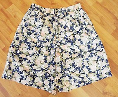Women's Vintage 1990's 90's High Waist Floral Shorts by Gap Size 13/14