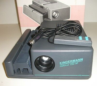 Kindermann Diafocus 250 AF Slide Projection