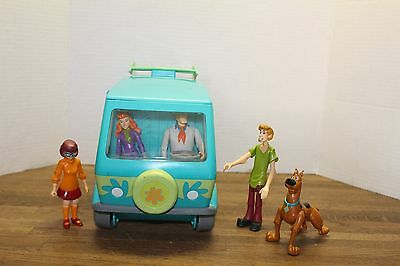 "Hanna Barbera's Scooby Doo ""The Mystery Machine Van & 5 Figures"" Action Set"