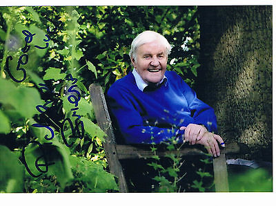 Richard Briers Actor The Good Life Hand Signed Photograph 6 x 4