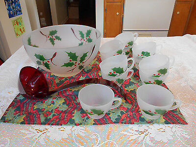 Vtg. Federal Glass CHRISTMAS HOLLY FROSTED PUNCH BOWL & 12 CUPS~ VERY NICE!!