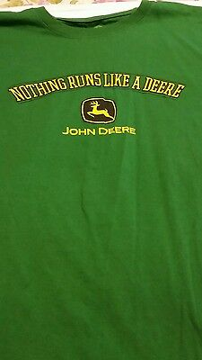 John Deere Tractor T-shirt  Adult Size XL Green 100% Cotton Nothing Runs Like A