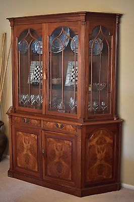 Antique Cherry Wood Breakfront / China Cabinet / Hutch