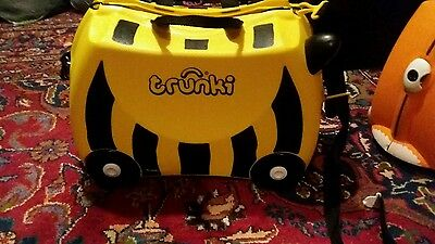 Trunki small child suitcase bumble bee design